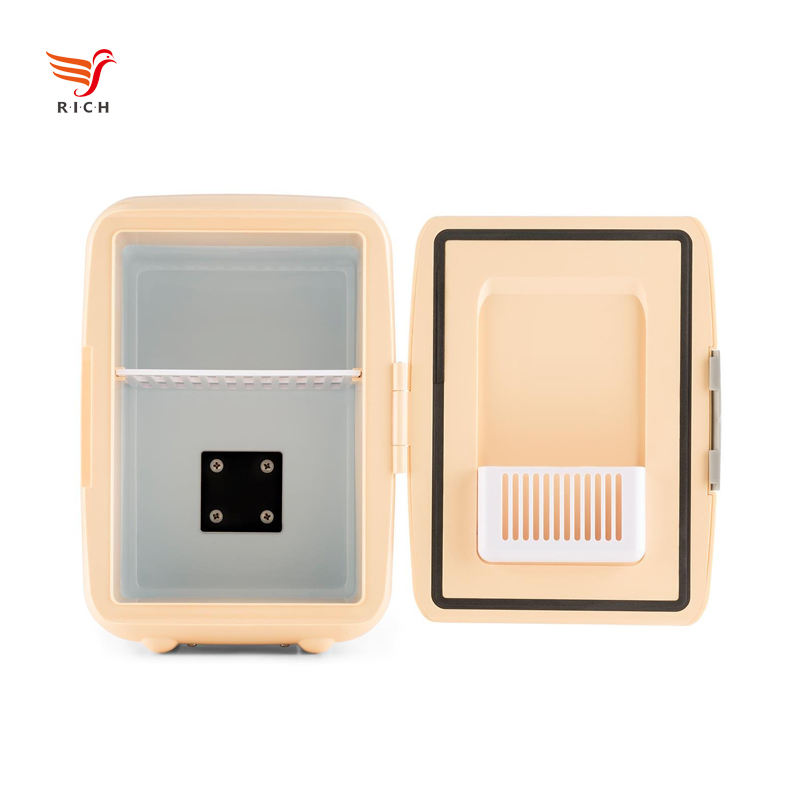 Wholesale 4L Mini Freezer Electric Power Makeup Fridge Small Cosmetic Fridge DC12V for Home