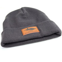 custom mens knitted cotton beanies with custom leather patch logo
