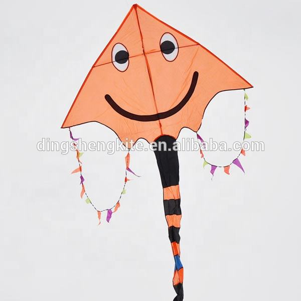 Delta kite high quality for super market smile face kites
