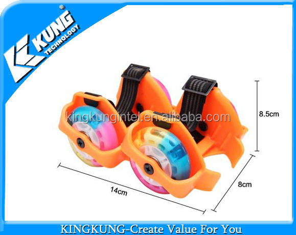 Fashion hot sale flashing two wheels children roller skate hot wheels