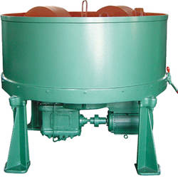 Roller type sand mixer in casting foundry