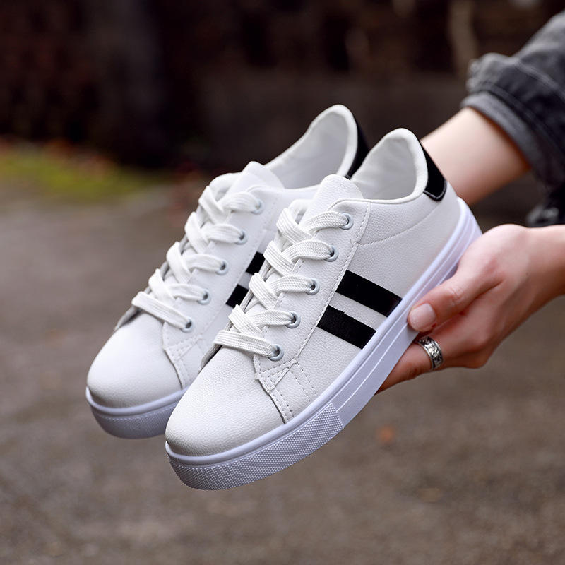 The latest breathable shoes women casual shoes