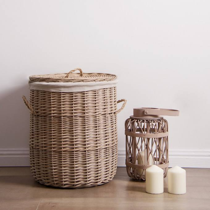 Wholesale handmade large tall cloth liner round willow baby toy dirty laundry hamper storage linen wicker basket with lid