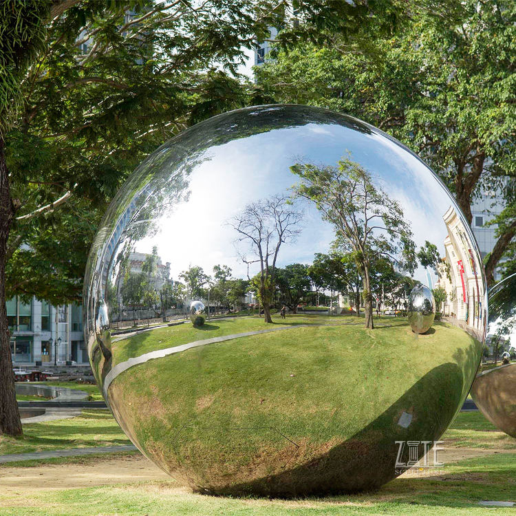 Outdoor mirror polished metal sphere stainless steel balls sculpture