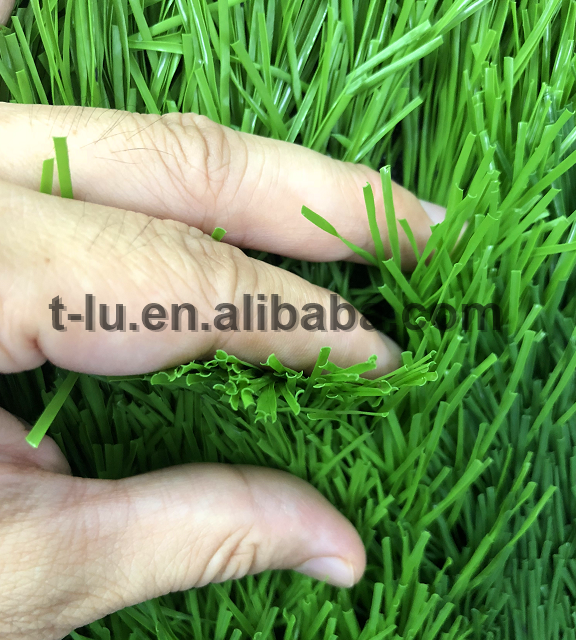 free sample c shaped lawn 4 tones 40mm for Outdoor landscaping grass good quality garden ornament