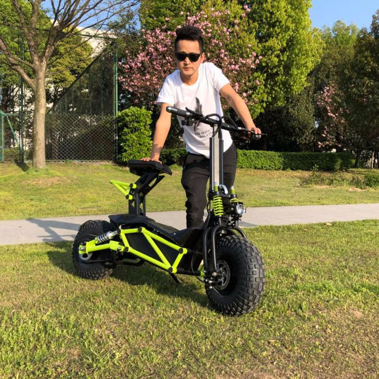 Chinese new year promotion 2018 5000 Watts COC CE Approved electric motorcycle Equipped with 20Ah Silicone