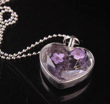 Beautiful nature dry flower glass bottle heart shaped necklace for women
