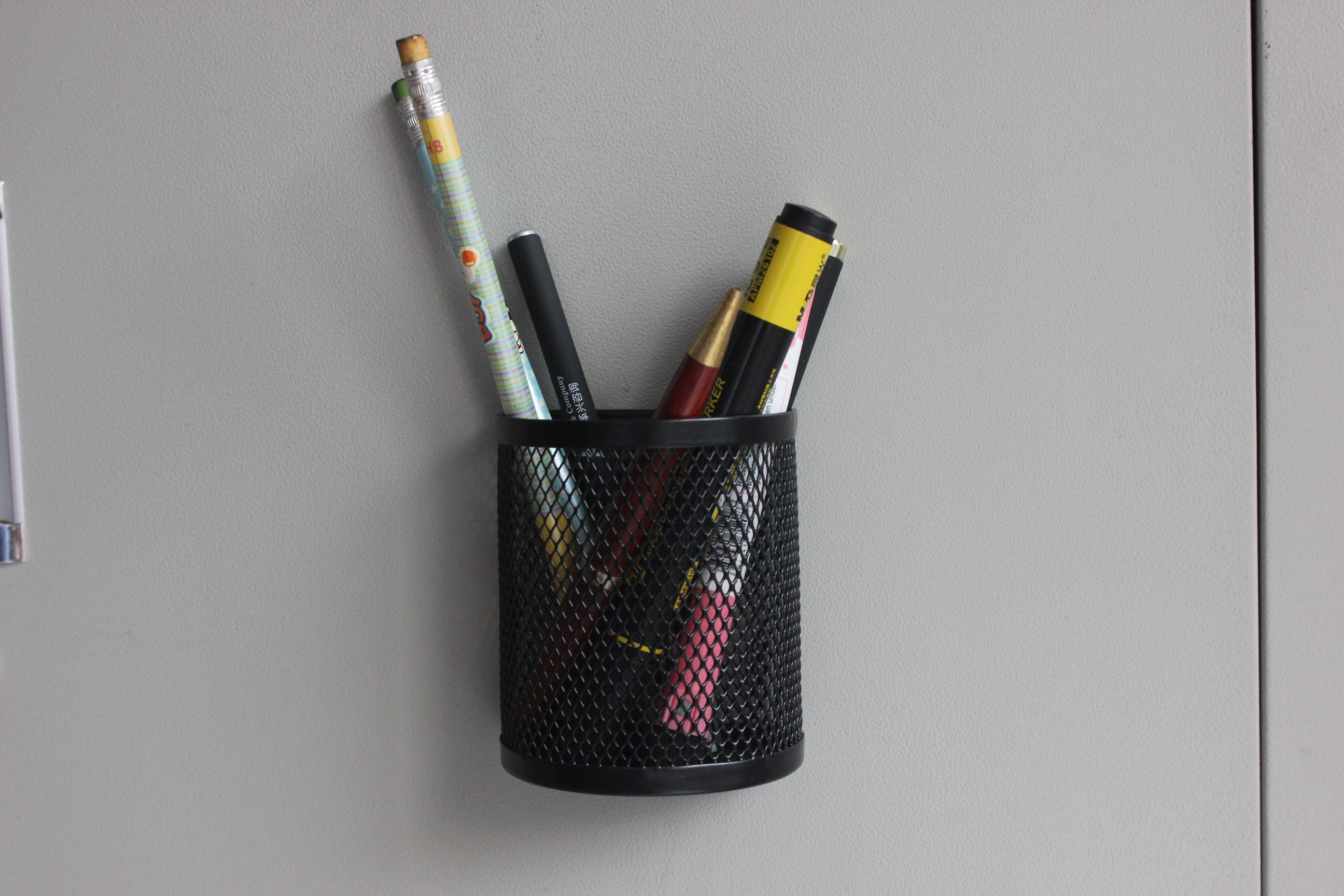 Office Hot Sale Stationery Metal Storage Magnetic Wire Mesh Pen Pencil Cup Holder