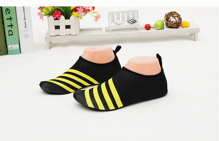 with Free Sample Soft Unisex Beach Swim Flexible Barefoot Water Skin Shoes