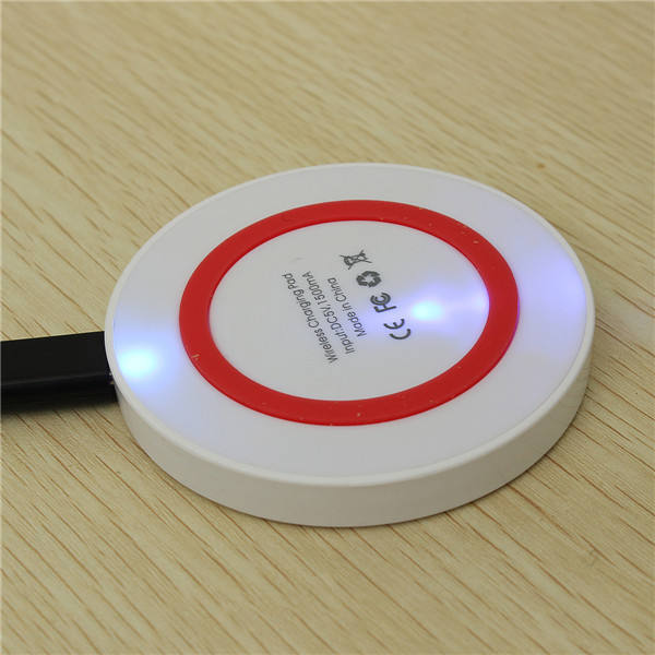 2019 hot sale Qi certified phone Wireless Charger Q5 Charging Pad For iphone Xr Quick Charge 2.0
