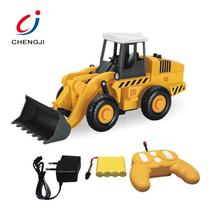 Hot selling 6ch 2.4G remote control engineering plastic toy rc model bulldozer