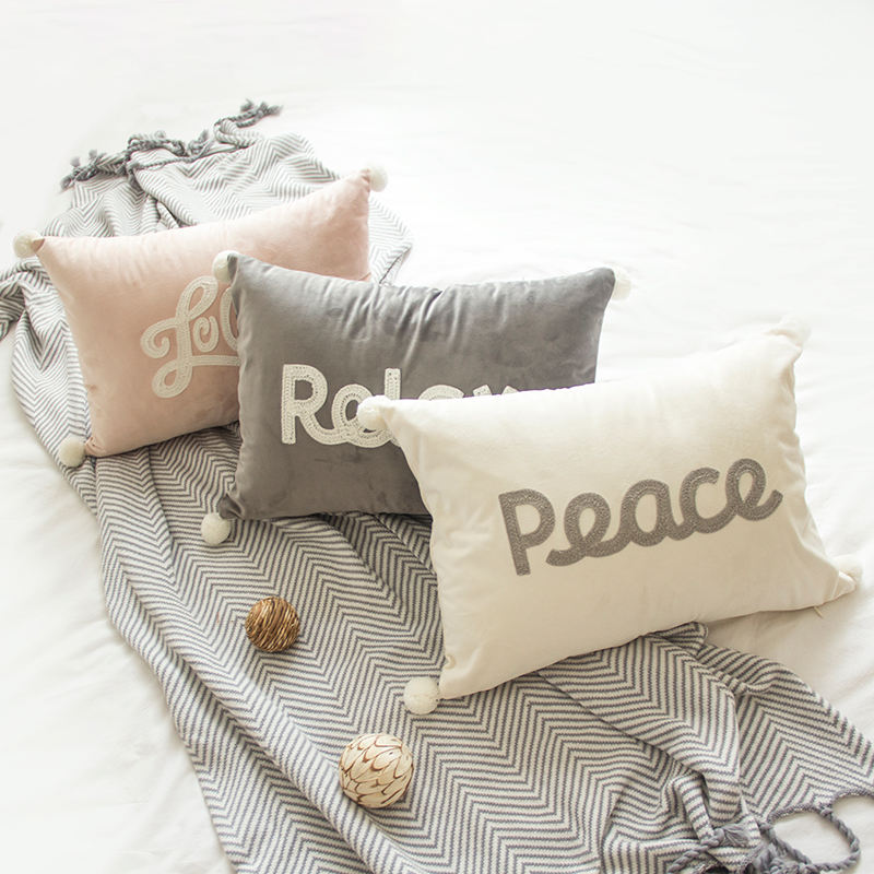 Savvy deco Wholesale 35x50cm 100% Polyester Multi Color Christmas Velvet Embroidery Pom Pom Cushion Cover In Stock