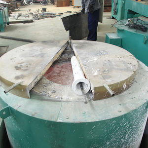 Fuel gas crucible melting furnace for aluminum alloy