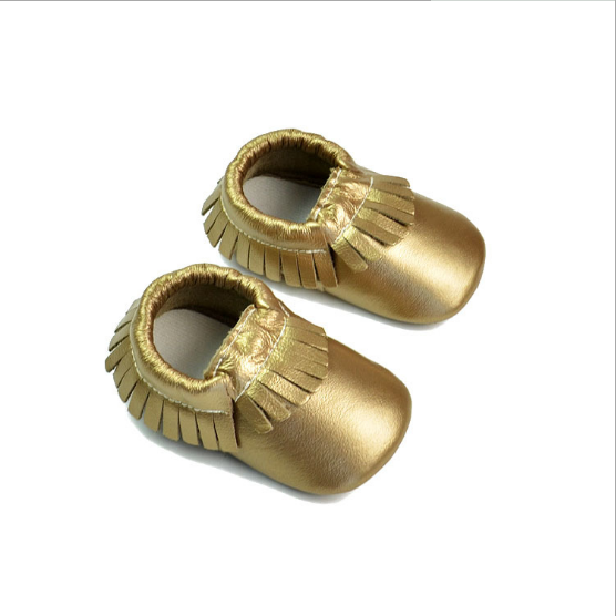 Wholesale baby shoes hand craft with tassels shiny upper baby girl shoes