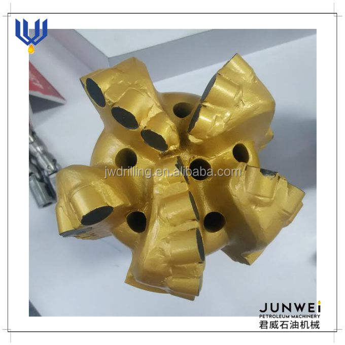 5 1/2 ''hard rock alat pemotong PDC drill bit/diamond PDC bit
