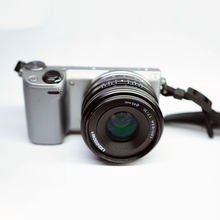 Hot Sell Now Mirrorless Digital Camera 35Mm F/1.7 Mirrorless Lens
