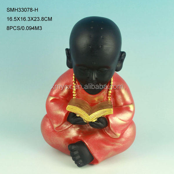 Resin carved buddhist monk statue for indoor decoration