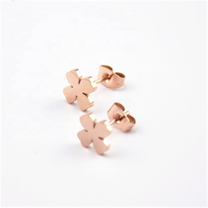 Stainless steel rose gold color 젖 빛 네 잎 Clover (eiffel tower) 패턴 stud earring