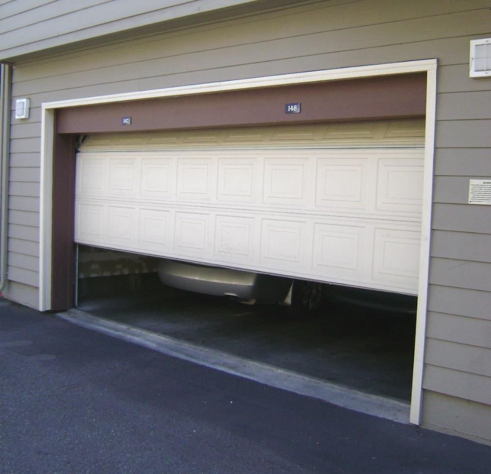 Galvanized steel easy lift garage door with remote control