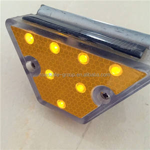 Highway Road Guardrail Trapezoid Solar Delineator Light