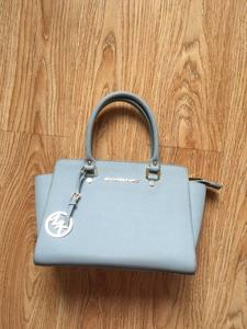 used clothing/used bags/second hand handbags clothing