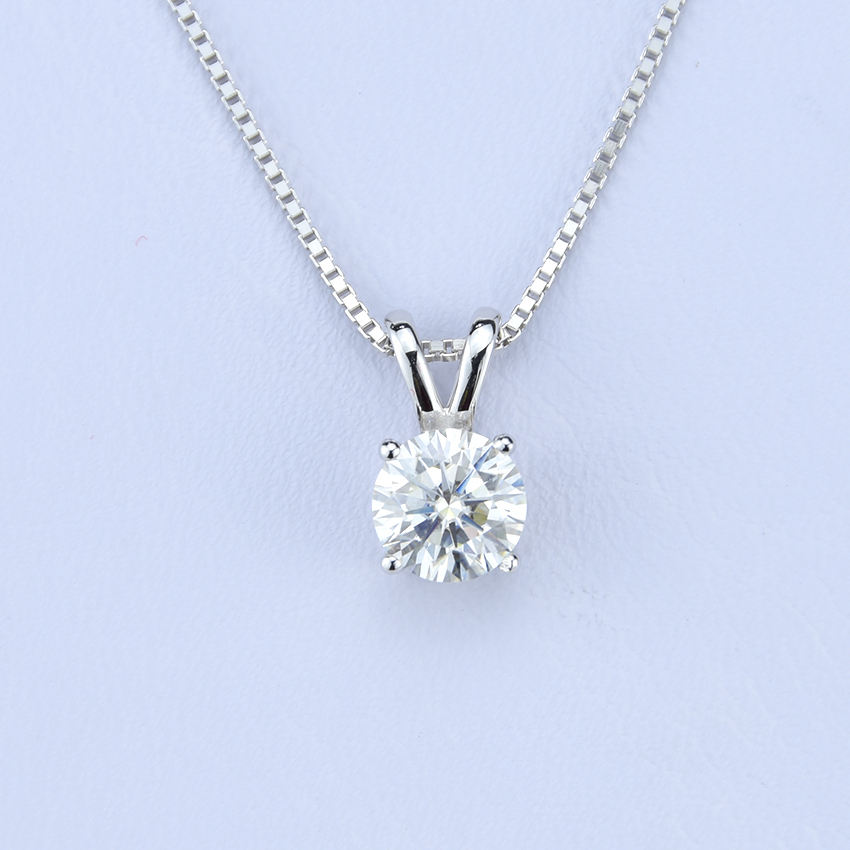 The jewelry with 1 carat moissanite loose gemston fashion necklace