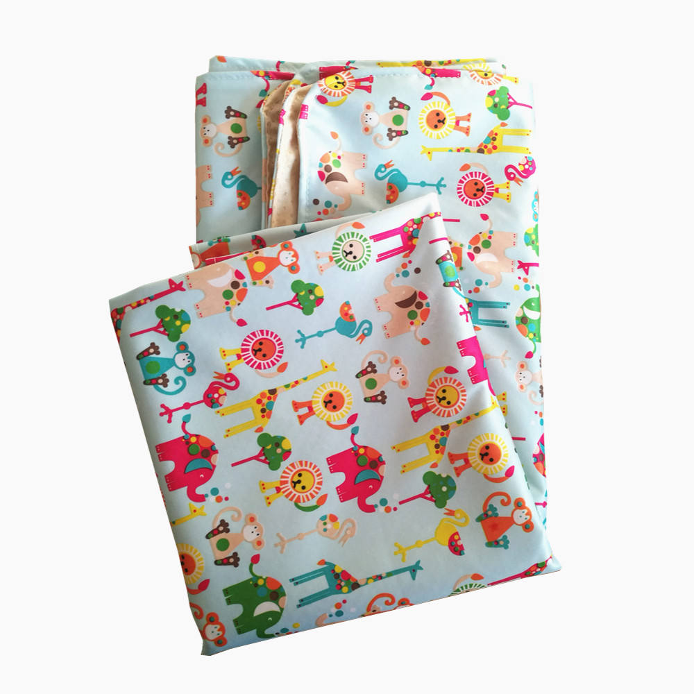 Amazon supplier Factory price Washable Waterproof High Chair Splat Mat