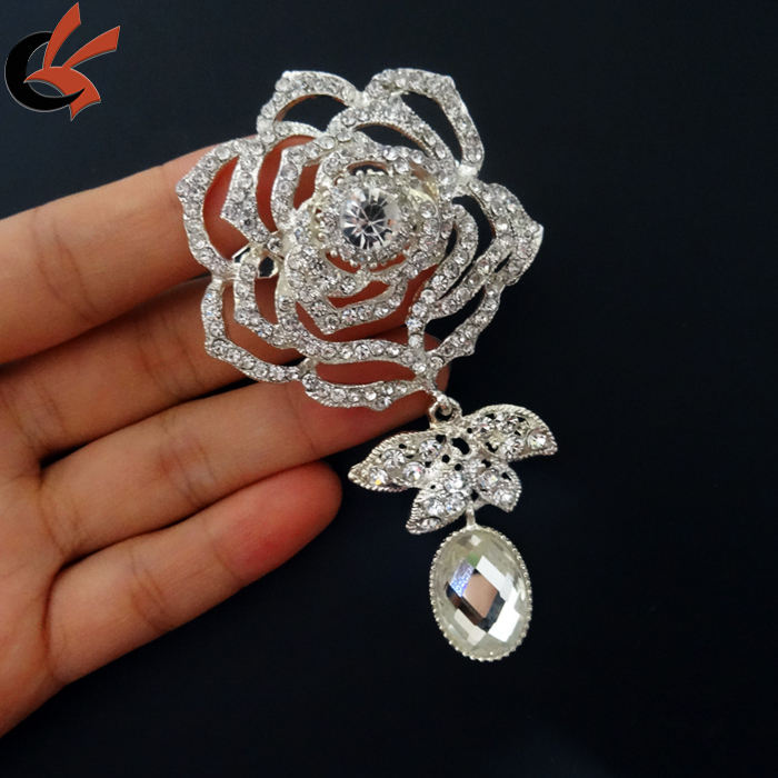wholesale garment decorative clear rhinestone rose brooch