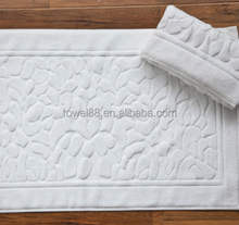 100% cotton embossed pattern Absorbent jacquard bathmat