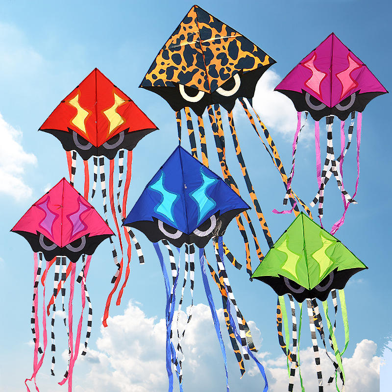 Wholesale Outdoor activities cheap price child flying kites Eco friendly kites delta fabric kites with long-tail GBO-009