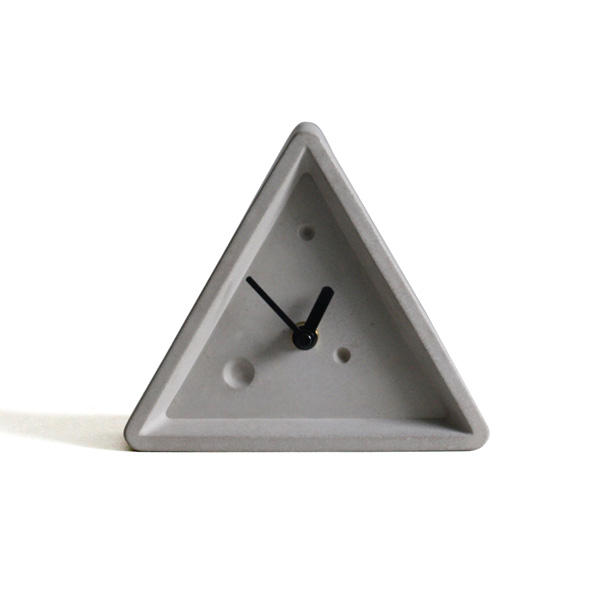 Home decorative unique triangle concrete mechanical table clock