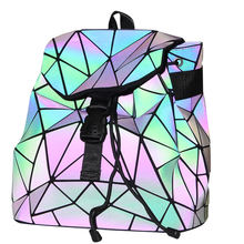 2020 Fashion trends sell glow-in-the-dark backpacks