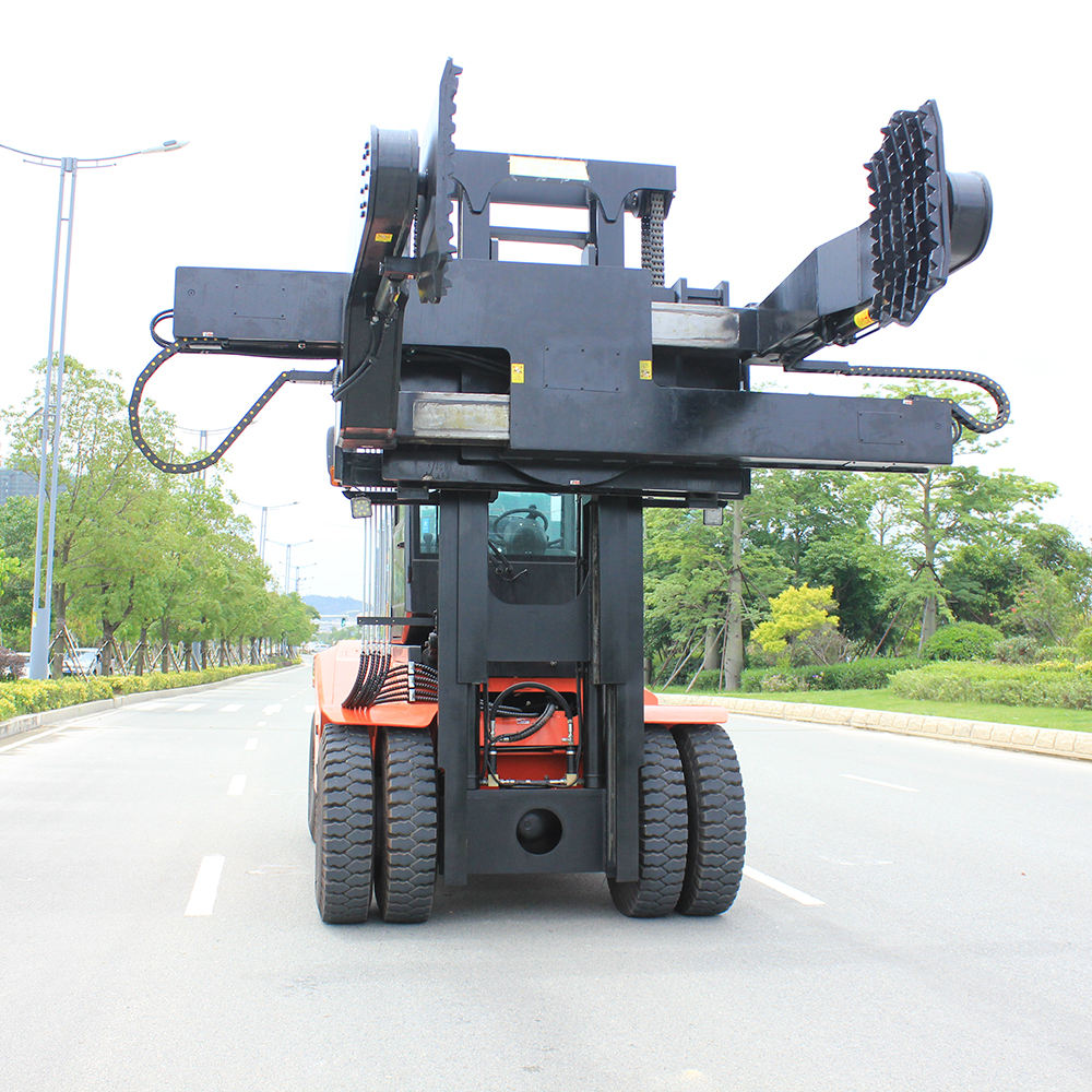 SOCMA Heavy Duty Forklift Manufacturer China New Counterweight Diesel Forklift With Tyre Clamp