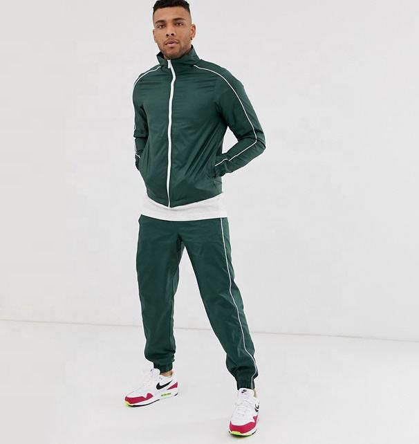 Sports着用100% PolyesterプライベートラベルWindproof Men Casual Tracksuit