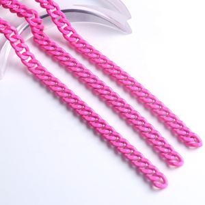 Factory wholesale colored barbie pink painted decorative aluminum curb chains for clothes