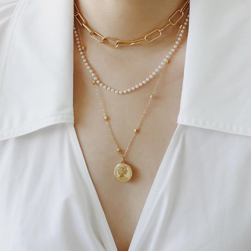 Personalized multi-layer diamond lock pendant necklace Fashion simple pearl necklace