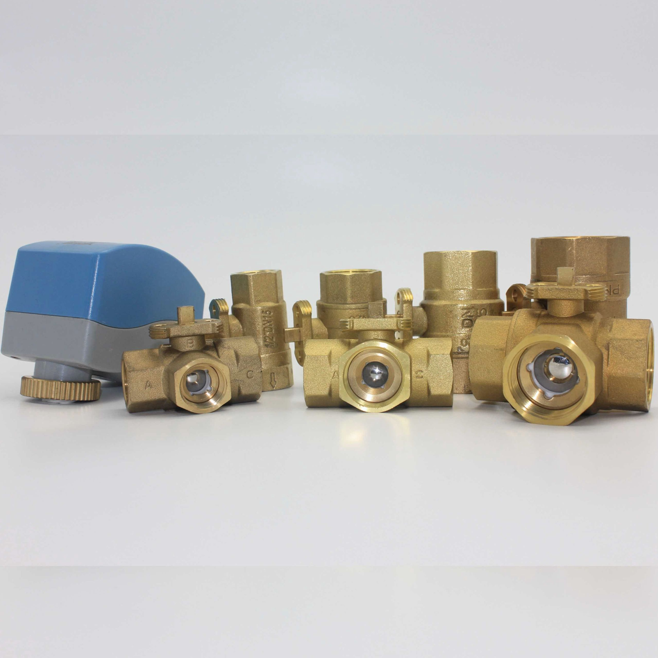 DN15/20/25/32 2 way 3-way motorized brass water valve with 220v motor electric drive for HVAC