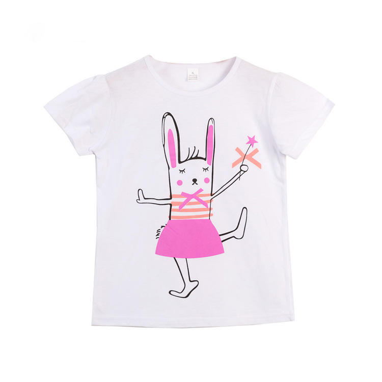 new summer cotton T-shirt worn by baby girls ages 3-8 with a rabbit print are kid clothes