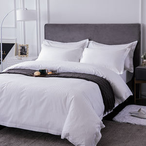 Easton Hotel supplies customizable high quality 100% cotton hotel bedding sets comforter bedsheets bedding set