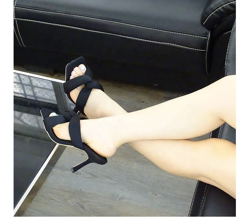 LW-1001 OEM China factory Best selling In stock Winter Fashionable Black Rubber Girls Flat Sandals 8cm High heel sandals sexy