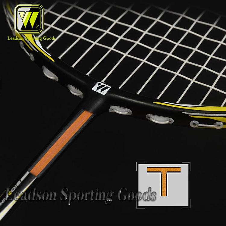 WHIZZ Model X7 lightweight high tension professional carbon badminton racket