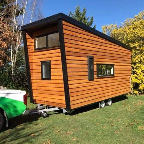 AS/NZ Standard Export Australia New Zealand Factory Made Wooden Tiny Cabins House on Wheels with Pointed Roof