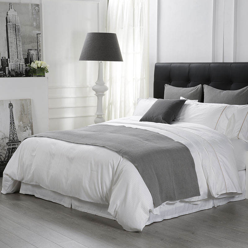 50% Discount 300 Tc White Satin Fabric Bedding Collection 5 Star Hotel Bed Linen Set