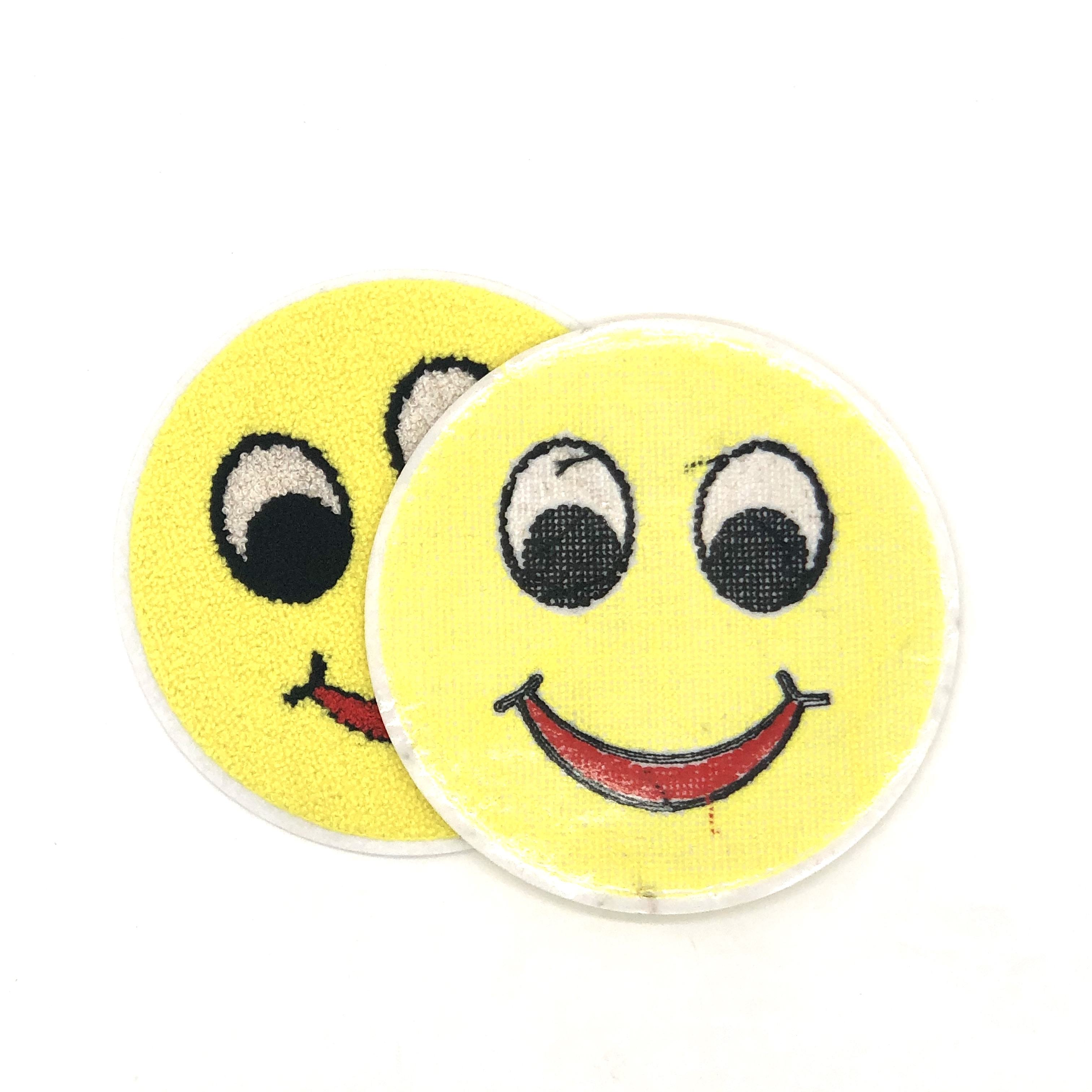 Smiley Face Emoji Iron On Patch//Badge//Applique//Transfer Cute Customise Can Sew O