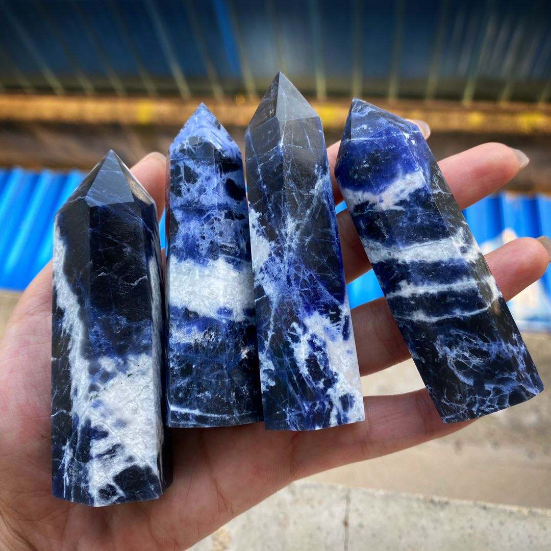 Natural Crystal Healing Stone Sodalite Crystal Point For Feng Shui Decoration