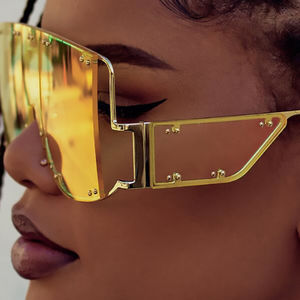 Yellow color lenses metal oversized shades studded rihanna sexy sunglasses women