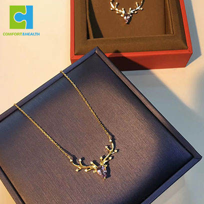 Wholesale Fashion Multi Colored Women Minimalist Jewelry Necklace Crystal Deer Necklace
