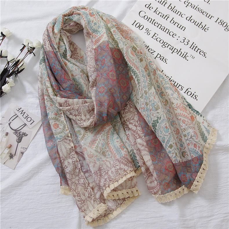 Wholesale 2020 hot sale viscose floral scarfs africa style cashew printed silver line woven women lace trim scarf