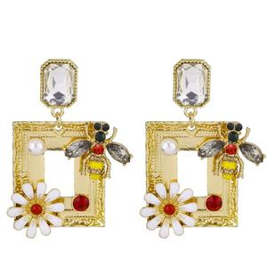 VRIUA Women Bee Flower Gold Square Crystal Earring Party Female Jewelry Gold 2019 Animals Jewelry Gifts