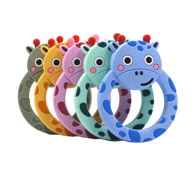 High Quality Bpa Free Silicone Baby Products Infant Giraffe Teething Rattle Teether Toy Bulk Wholesale